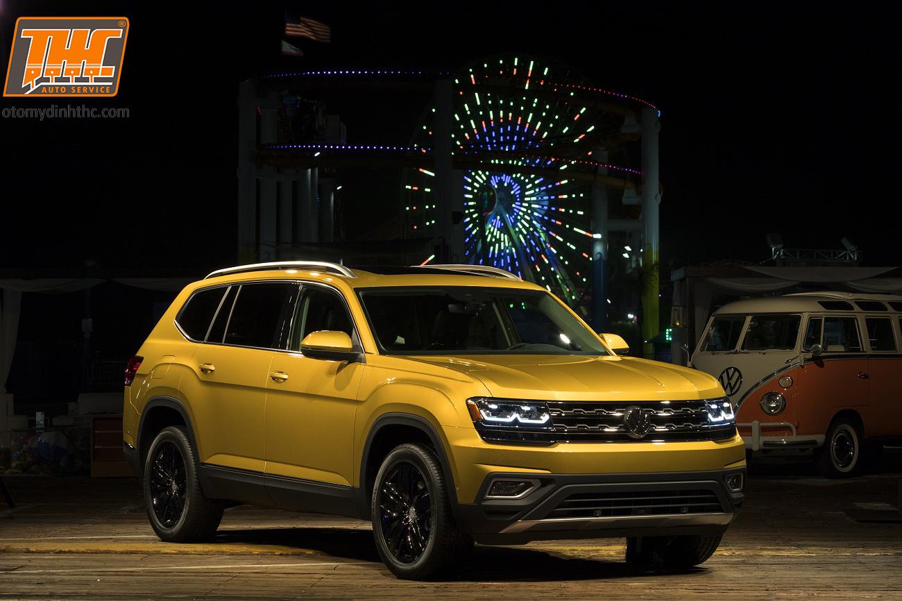 2018-Volkswagen-Atlas-014-ngoai-that