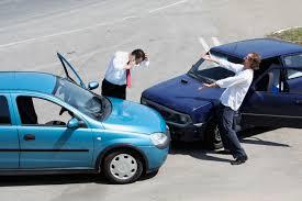 Khi xảy ra tai nạn với chiếc ô tô của bạn, bạn nên làm gì