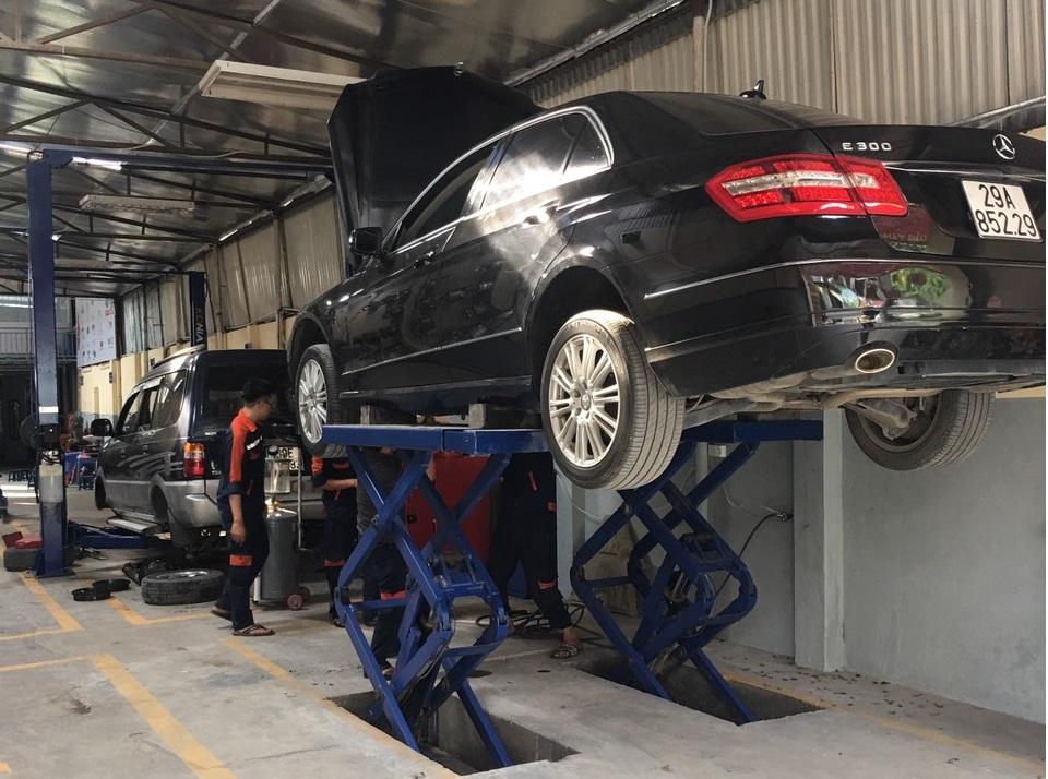Bảo dưỡng định kỳ xe Mercedes E300