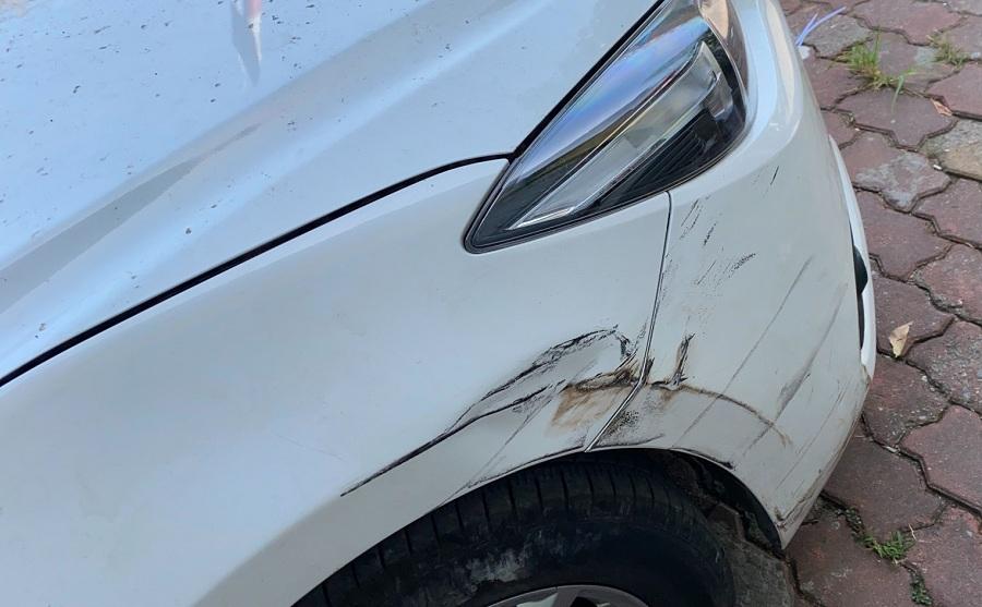 Báo giá sơn xe Mazda 3 màu trắng ngọc trai