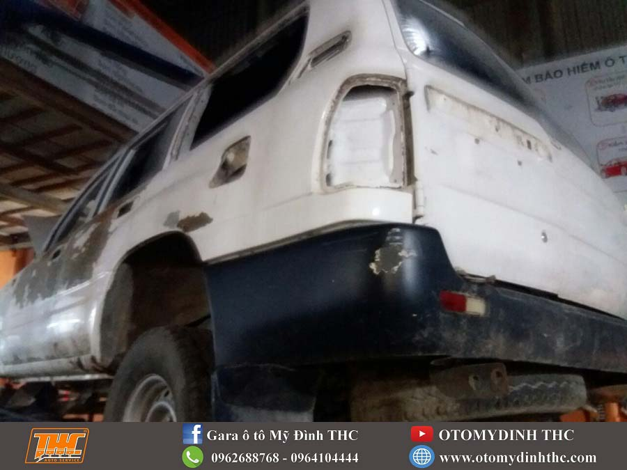 lot-xac-xe-toyota-land-cruiser-1995-bien-dieu-khong-the-thanh-co-the