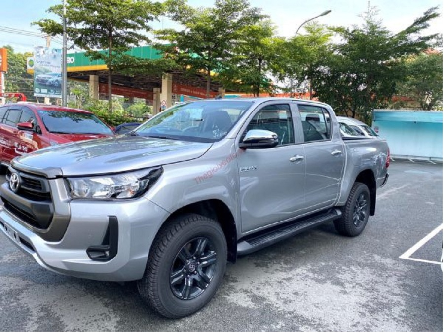 hinh-anh-lazang-xe-toyota-hilux